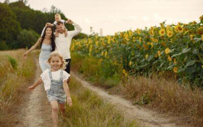 Come aiutare i figli a crescere felici e in salute